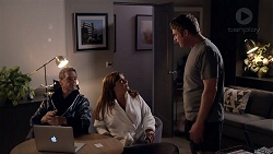 Paul Robinson, Terese Willis, Gary Canning in Neighbours Episode 7826