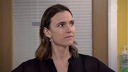 Amy Williams in Neighbours Episode 7832