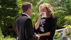 Paul Robinson, Jane Harris in Neighbours Episode 7833