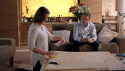 Amy Williams, Paul Robinson in Neighbours Episode 7833
