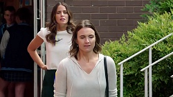 Elly Conway, Amy Williams in Neighbours Episode 7833