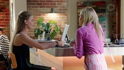 Chloe Brennan, Xanthe Canning in Neighbours Episode 7835