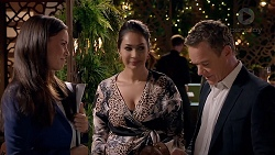 Caroline Perkins, Dipi Rebecchi, Paul Robinson in Neighbours Episode 7838