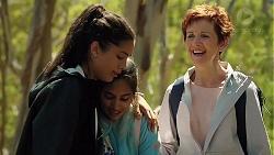 Yashvi Rebecchi, Kirsha Rebecchi, Susan Kennedy in Neighbours Episode 7841