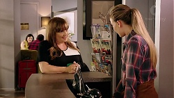 Terese Willis, Chloe Brennan in Neighbours Episode 7842