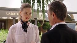 Chloe Brennan, Paul Robinson in Neighbours Episode 7843