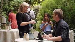 Sheila Canning, Elly Conway, Gary Canning in Neighbours Episode 7846