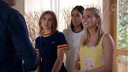 Piper Willis, Yashvi Rebecchi, Xanthe Canning in Neighbours Episode 7846