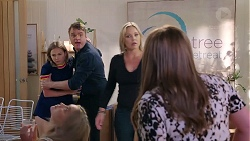 Piper Willis, Gary Canning, Steph Scully, Terese Willis in Neighbours Episode 7847