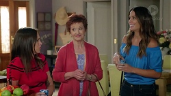 Bea Nilsson, Susan Kennedy, Elly Conway in Neighbours Episode 7847