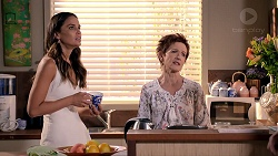 Elly Conway, Susan Kennedy in Neighbours Episode 7850