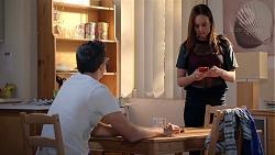 Finn Kelly, Bea Nilsson in Neighbours Episode 7851