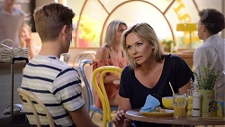 Charlie Hoyland, Steph Scully in Neighbours Episode 7852