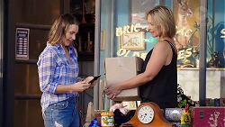 Amy Williams, Steph Scully in Neighbours Episode 7856