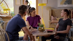 Mark Brennan, Elly Conway, Bea Nilsson in Neighbours Episode 7856