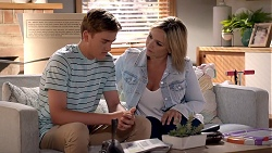 Charlie Hoyland, Steph Scully in Neighbours Episode 7858