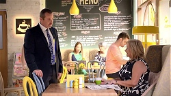 Toadie Rebecchi, Sheila Canning in Neighbours Episode 7860
