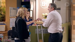 Rita Newland, Karl Kennedy in Neighbours Episode 7862