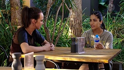 Bea Nilsson, Yashvi Rebecchi in Neighbours Episode 7863