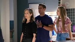 Fay Brennan, Aaron Brennan, Chloe Brennan in Neighbours Episode 7866