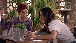 Susan Kennedy, Elly Conway in Neighbours Episode 7868