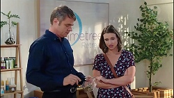 Gary Canning, Amy Williams in Neighbours Episode 7871