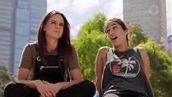 Bea Nilsson, Yashvi Rebecchi in Neighbours Episode 7877