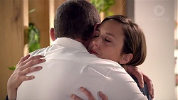 Toadie Rebecchi, Sonya Mitchell in Neighbours Episode 7880