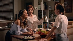 Elly Conway, Susan Kennedy, Bea Nilsson in Neighbours Episode 7881