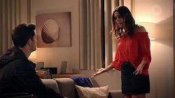 Finn Kelly, Bea Nilsson in Neighbours Episode 7882