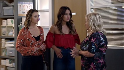 Amy Williams, Elly Conway, Sheila Canning in Neighbours Episode 7882
