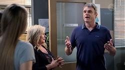 Chloe Brennan, Sheila Canning, Gary Canning in Neighbours Episode 7882