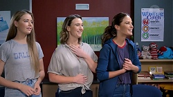 Chloe Brennan, Amy Williams, Elly Conway in Neighbours Episode 7882