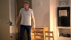Gary Canning in Neighbours Episode 7885
