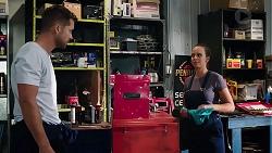 Mark Brennan, Bea Nilsson in Neighbours Episode 7889