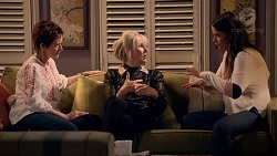 Susan Kennedy, Liz Conway, Elly Conway in Neighbours Episode 7890