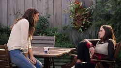 Elly Conway, Bea Nilsson in Neighbours Episode 7890