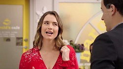 Amy Williams, Dr Rob Carson in Neighbours Episode 7890