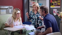 Chloe Brennan, Sheila Canning, Gary Canning in Neighbours Episode 7892