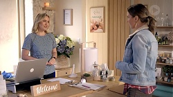Sindi Watts, Amy Williams in Neighbours Episode 7894