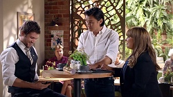 Ned Willis, Leo Tanaka, Terese Willis in Neighbours Episode 7894