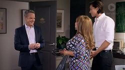 Paul Robinson, Terese Willis, Leo Tanaka in Neighbours Episode 7894