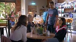 Elly Conway, Liz Conway, Mark Brennan, Bea Nilsson in Neighbours Episode 7895