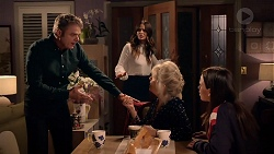 Gary Canning, Elly Conway, Liz Conway, Bea Nilsson in Neighbours Episode 7896
