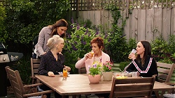 Liz Conway, Elly Conway, Susan Kennedy, Bea Nilsson in Neighbours Episode 7896