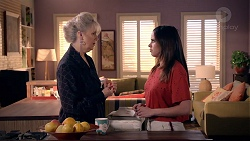 Liz Conway, Bea Nilsson in Neighbours Episode 7897
