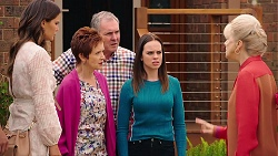 Elly Conway, Susan Kennedy, Karl Kennedy, Bea Nilsson, Liz Conway in Neighbours Episode 7898