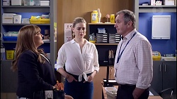 Terese Willis, Chloe Brennan, Karl Kennedy in Neighbours Episode 7900