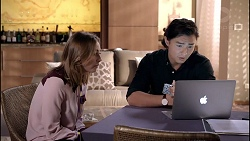 Piper Willis, Leo Tanaka in Neighbours Episode 7900