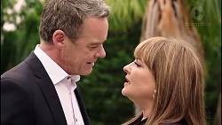 Paul Robinson, Terese Willis in Neighbours Episode 7900
